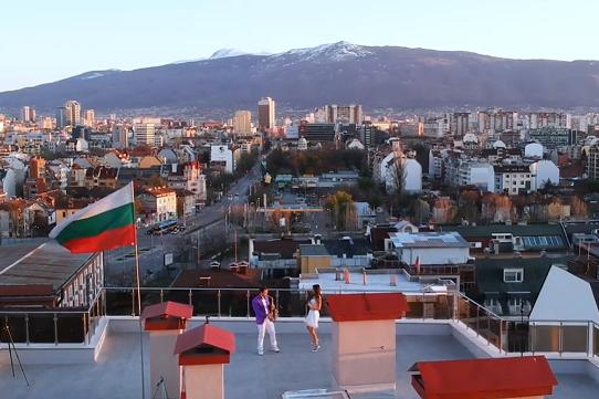 Джаз от покрива на София