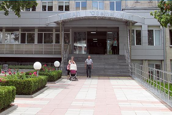 """Двама пациенти починаха от коронавирус в """"Света Анна"""""""