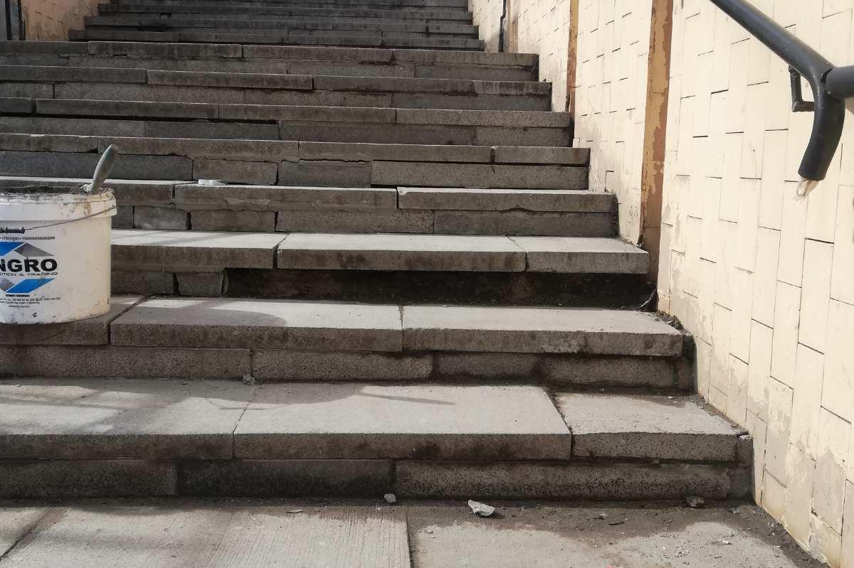 """Ремонтираха стълбите на подлеза на площад """"Ручей"""""""