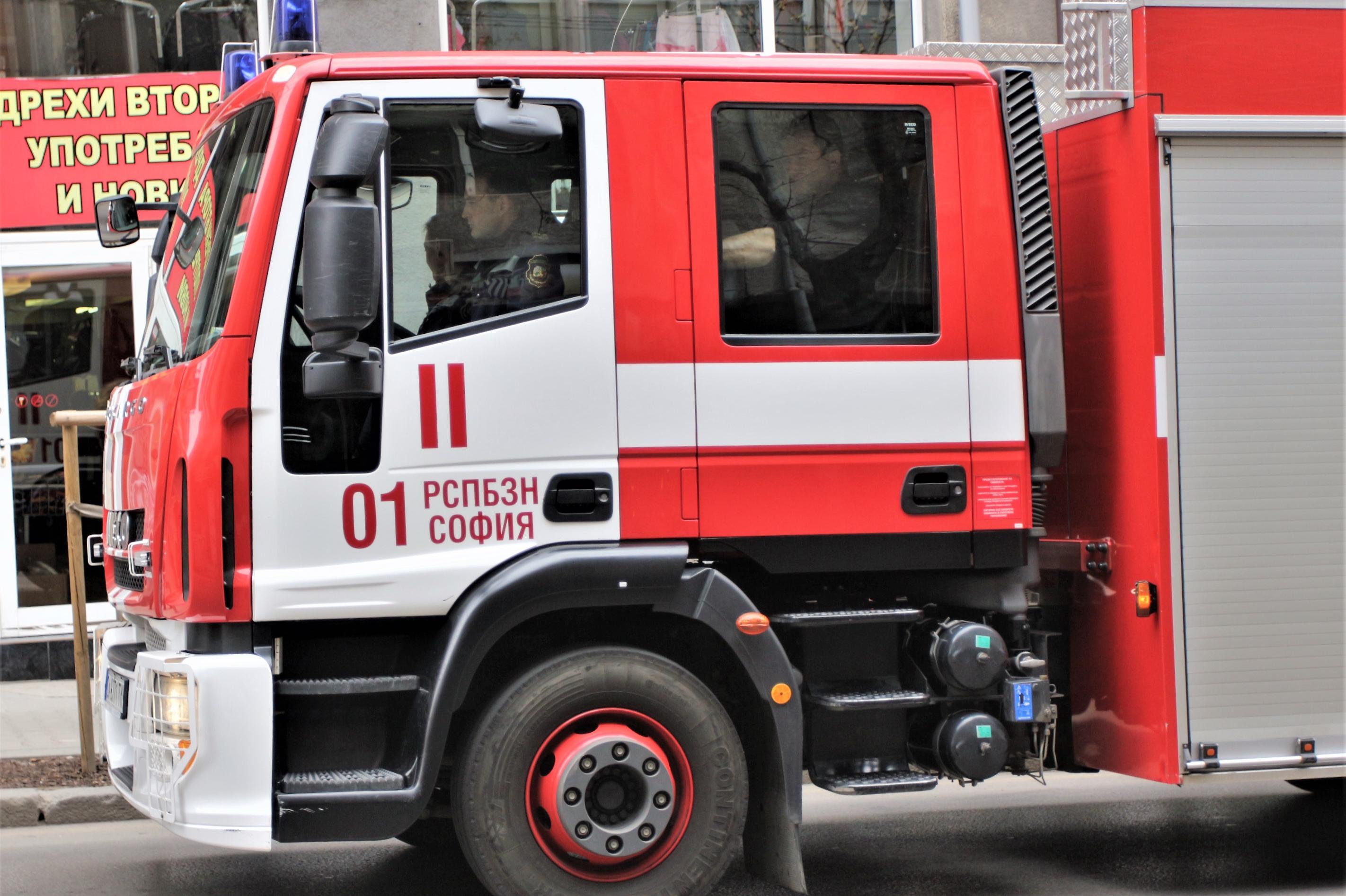 """275 домакинства от """"Горубляне"""" без ток заради пожар"""