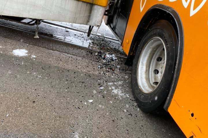 """Трамвай и рейс се удариха на бул. """"Никола Мушанов"""""""
