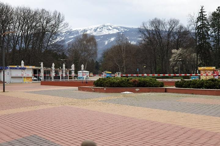 СДВР затвори паркове и градинки и за разходка на кучета (СНИМКИ)