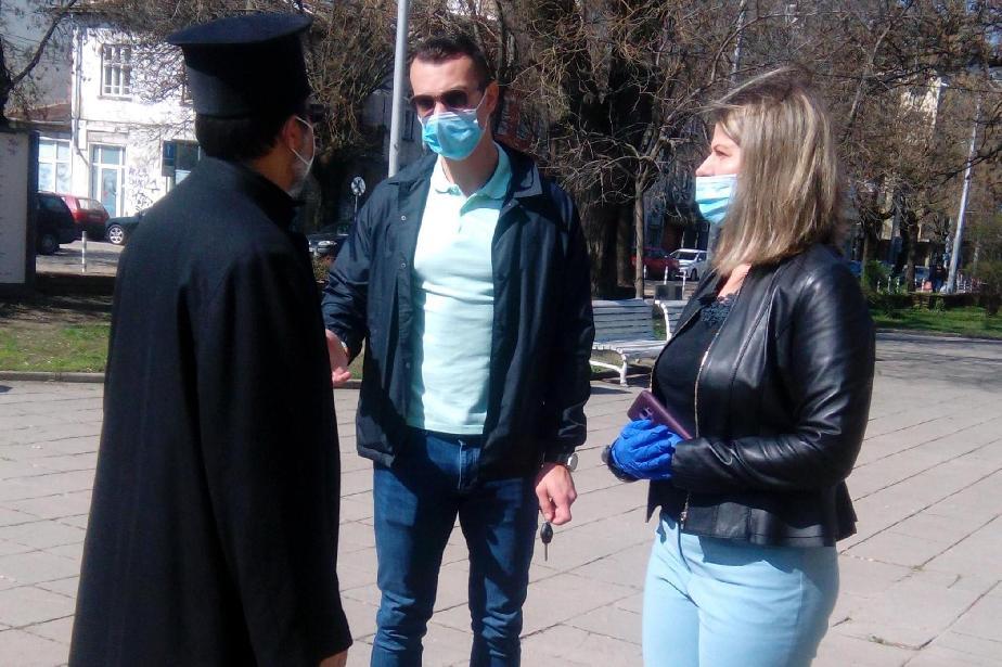 """Кметът на """"Взъраждане"""" обсъди мерките с духовници от църквите в района"""