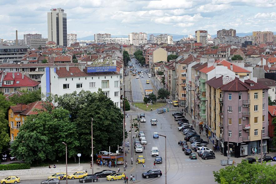 """Имотите в """"Иван Вазов"""" в София биха по цени жилищата в центъра на столицата"""