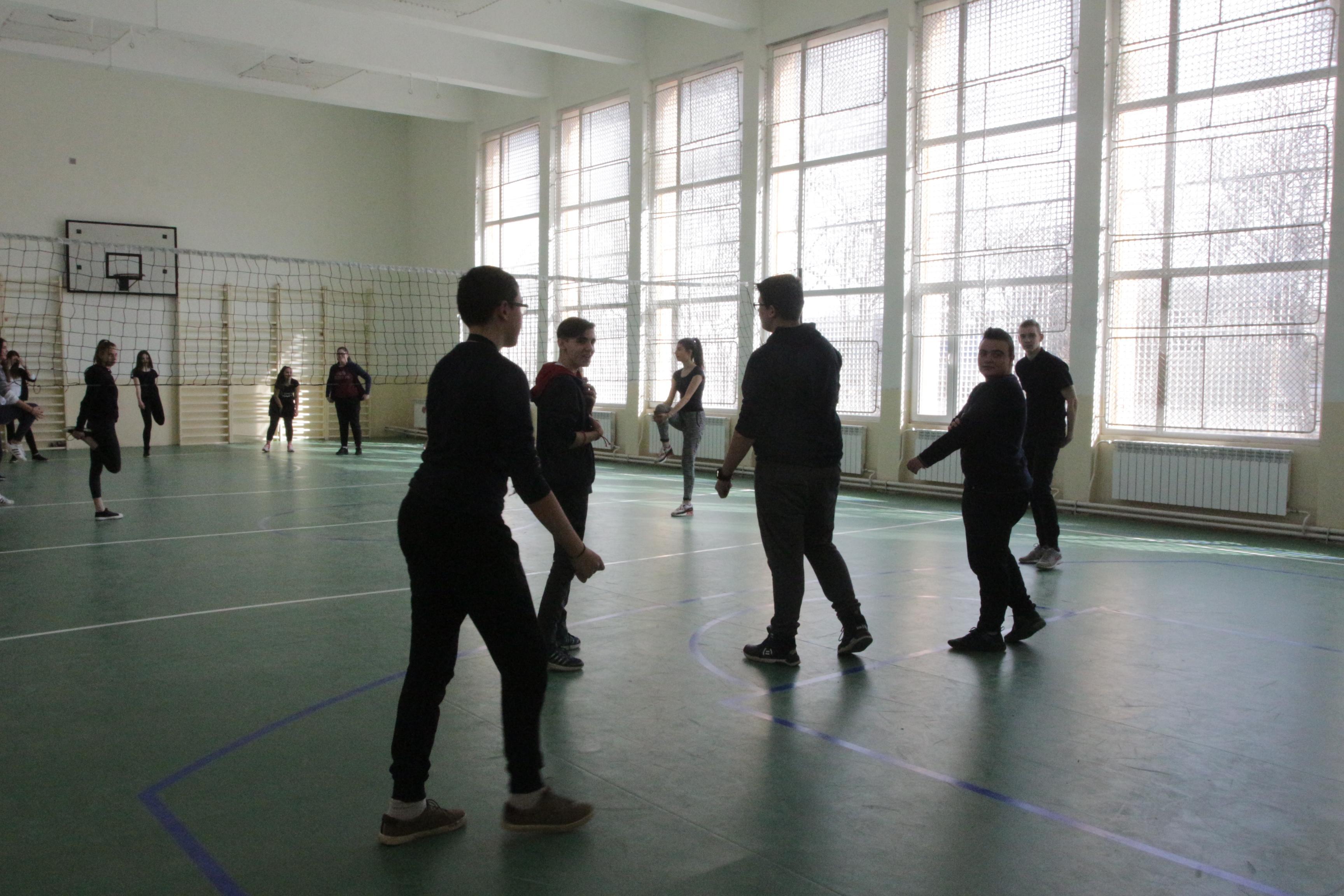 Разрешават колективните спортове на закрито, но без публика