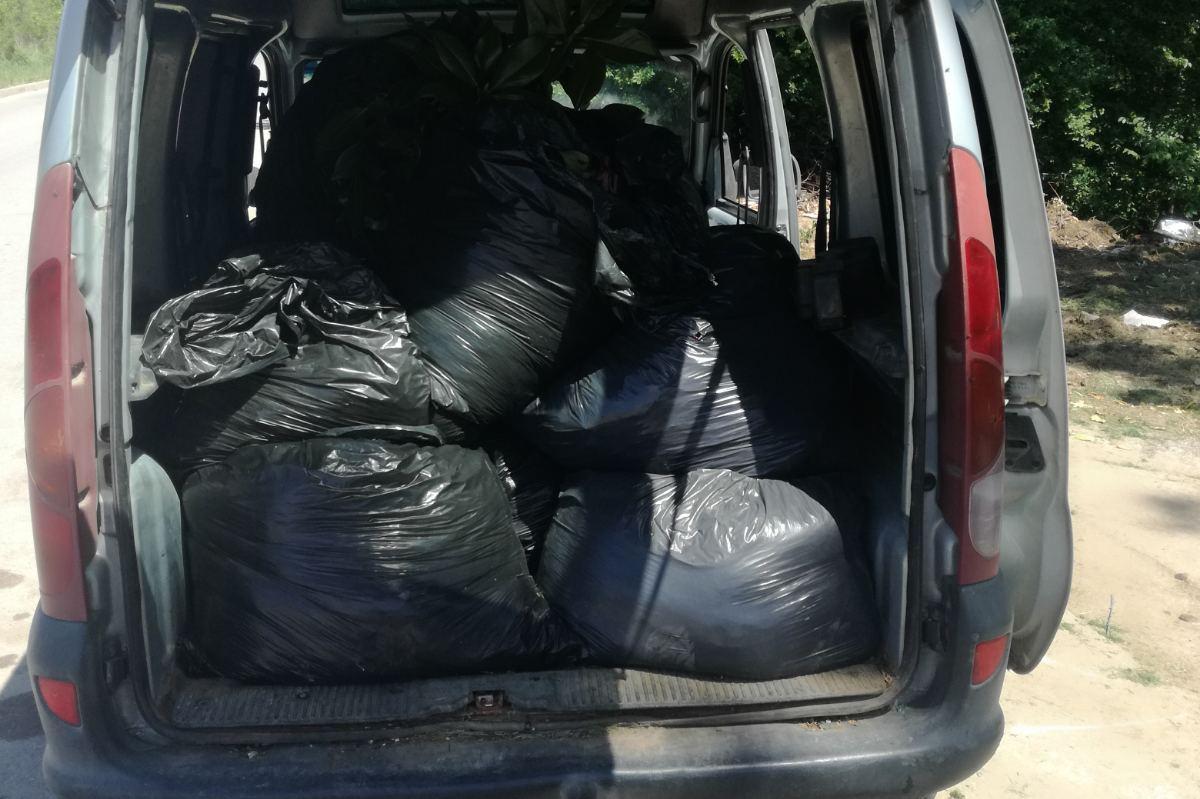 Глобиха градинари, изхвърлили отпадъци на нерегламентирано място в Панчарев