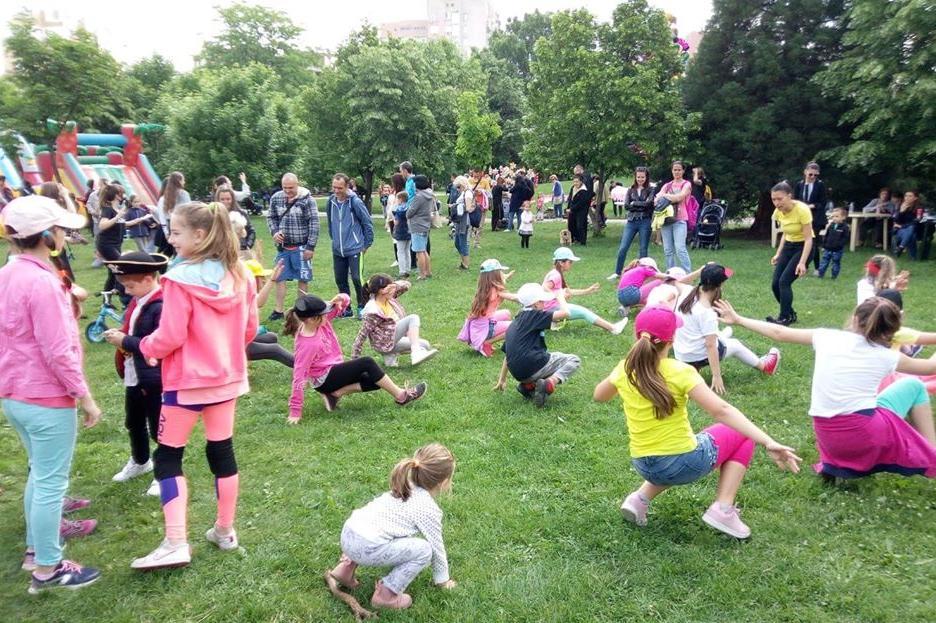 """Фокуси с Ненчо Илчев и много подаръци очакват на 1 юни децата от """"Младост"""""""