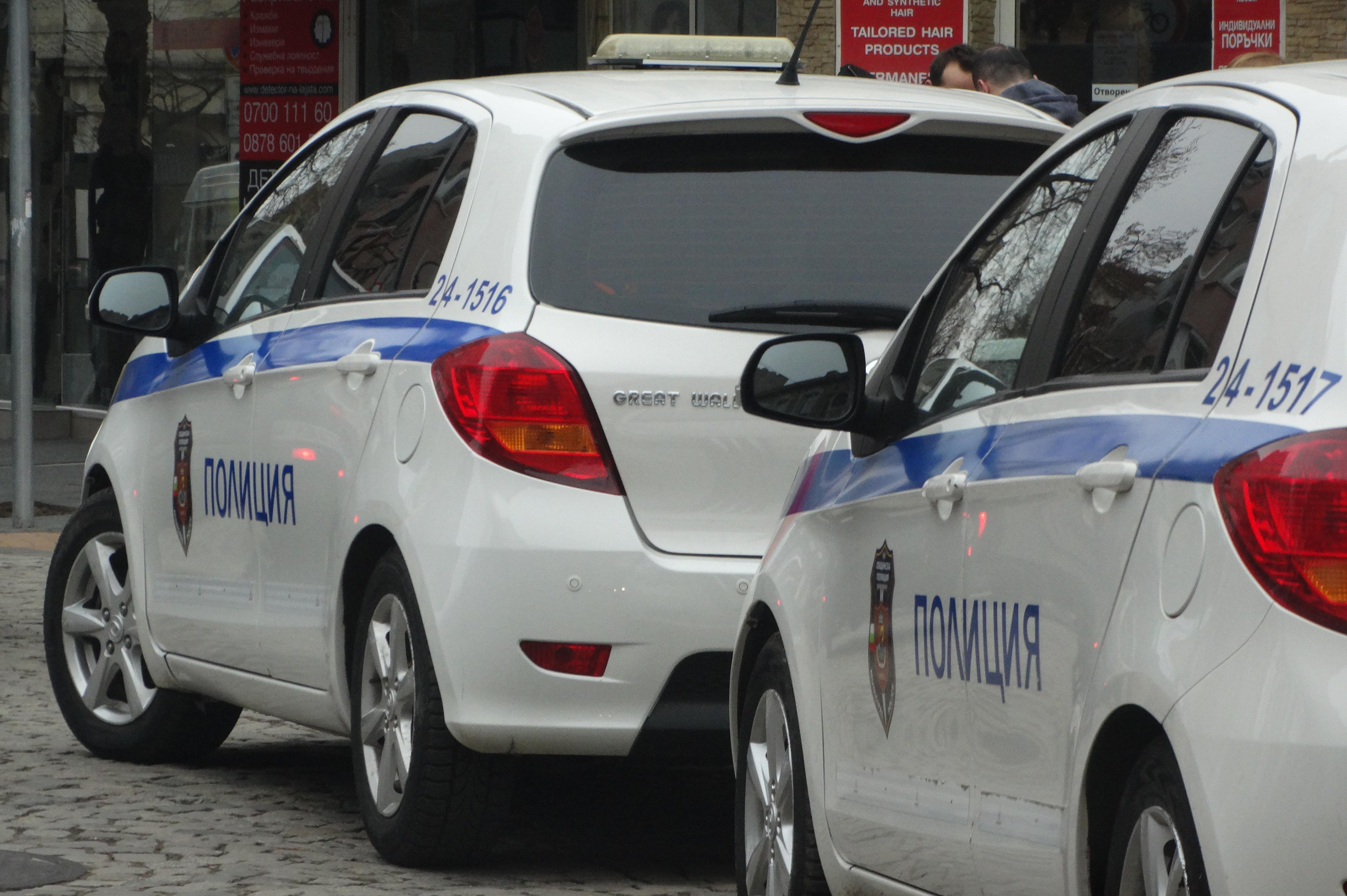"""Двама младежи са задържани в """"Света Троица"""" за разпространение на дрога"""