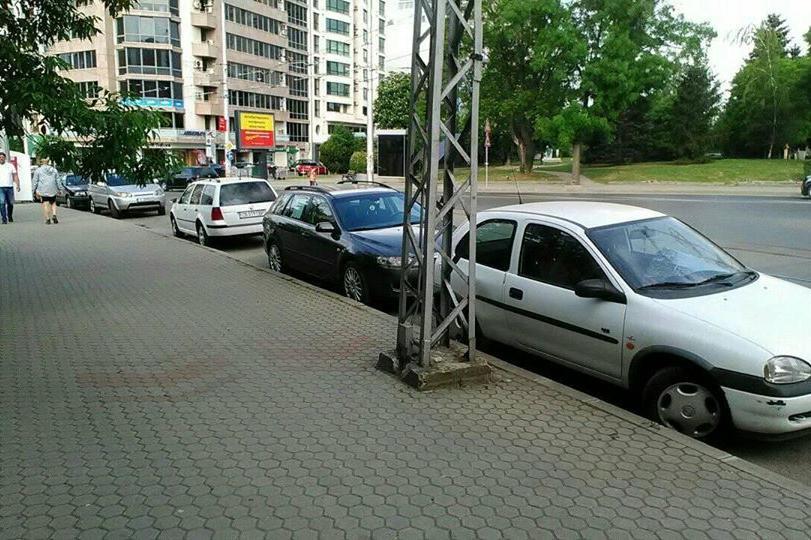 И в Лозенец разчистват от изоставени автомобили
