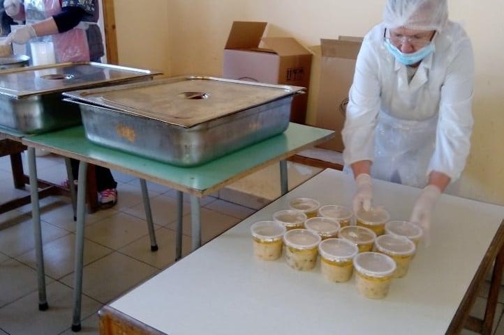 """Със 120 се увеличава броят на хората за топъл обяд в """"Подуяне"""""""