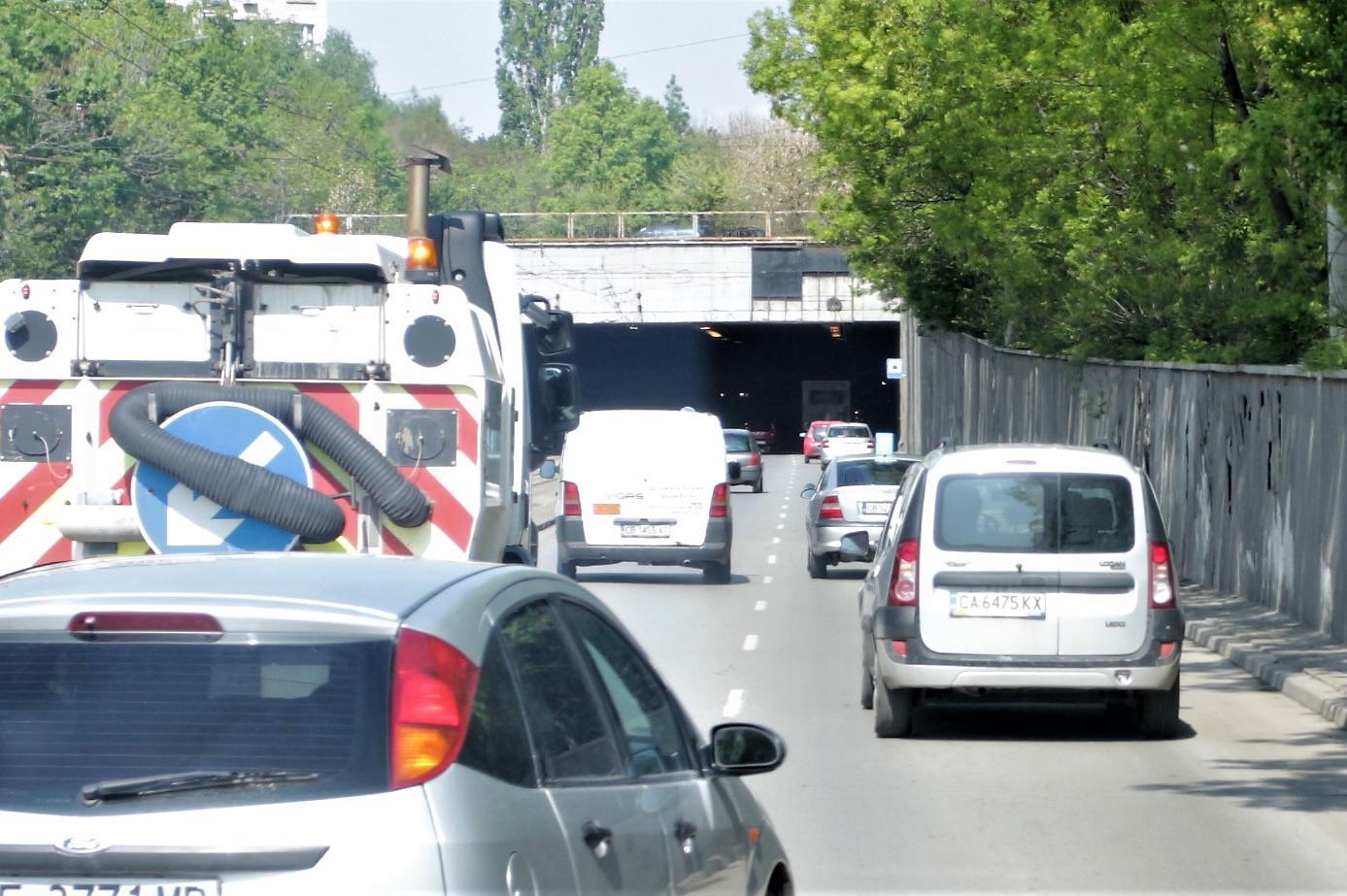 """Затварят временно тунела на бул. """"Царица Йоанна"""" заради миене"""