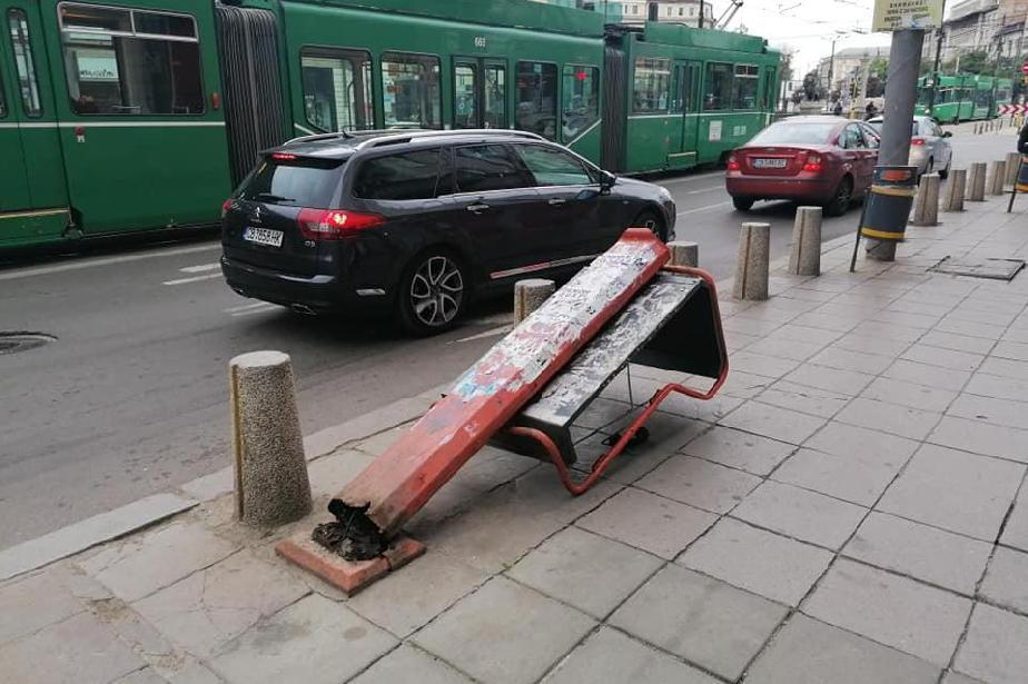 паднала кабинка на Лъвов мост