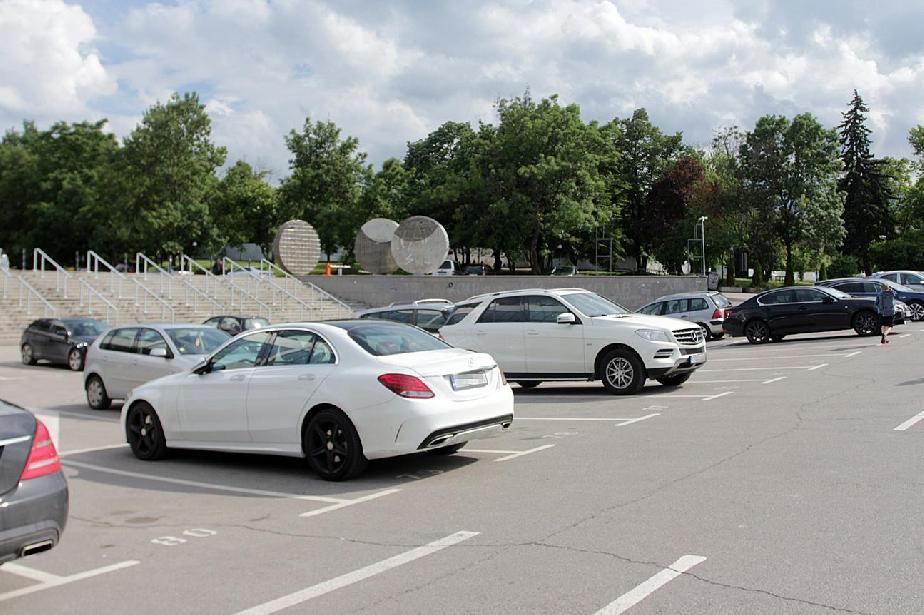 Работна група представя до две седмици плана за многоетажните паркинги в ст