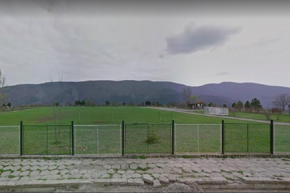 Сдружение събира пари за косачка на стадиона в Кокаляне