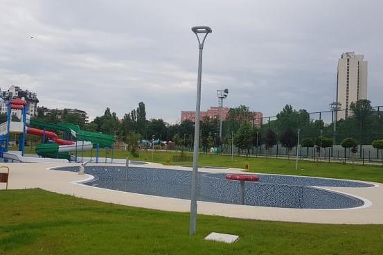 """9 лв. за час плуване в новия закрит басейн в парк """"Възраждане"""""""