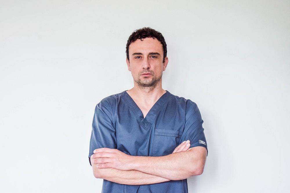 Съдов хирург с уникална техника спаси пациент с напреднал карцином на бъбре