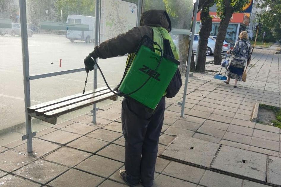 Продължава дезинфекцията на спирки, подлези и улици в столицата