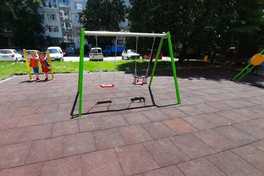 "В ""Подуяне"" ремонтират детски площадки и чистят пясъчници"