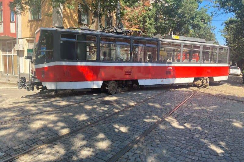 Дерайлирал трамвай