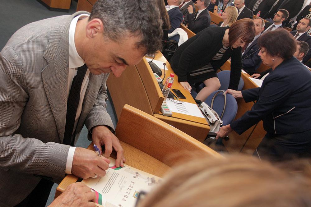 Проф. Иво Петров с коментар за физиологичните нарушения, до които води COVI