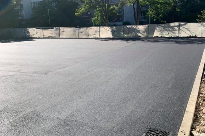 """Построиха нов паркинг между блокове 43-44 и 45-46 в """"Дианабад"""""""