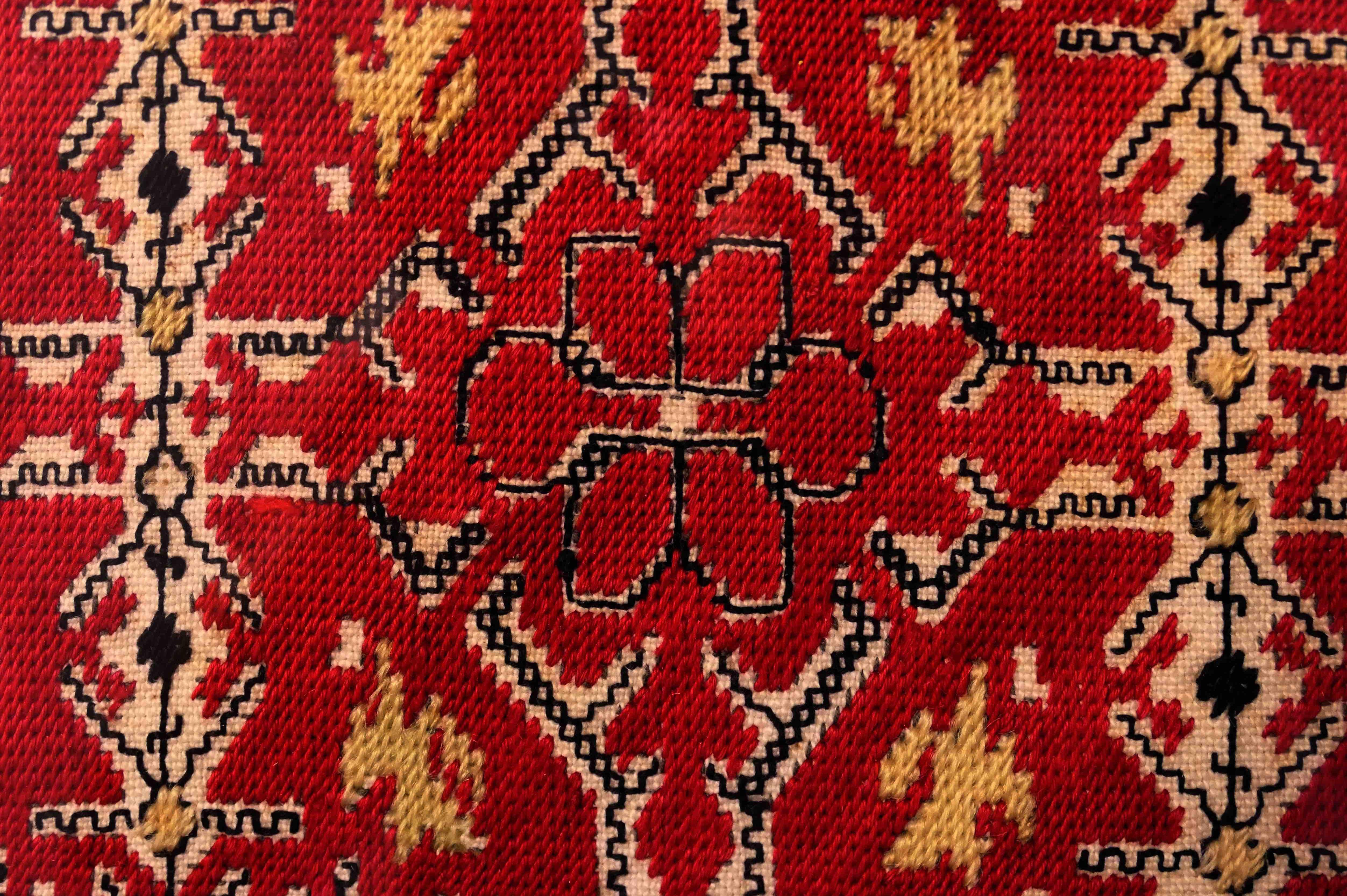 Разказват историята на Женския пазар чрез българските шевици