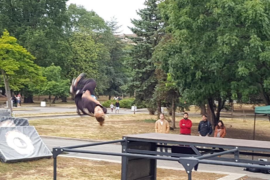 Асове на ърбан спортовете с уникално шоу в Княжеска градина в София