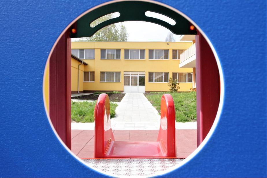 Строят нова детска градина и разширяват още 2 в район Панчарево