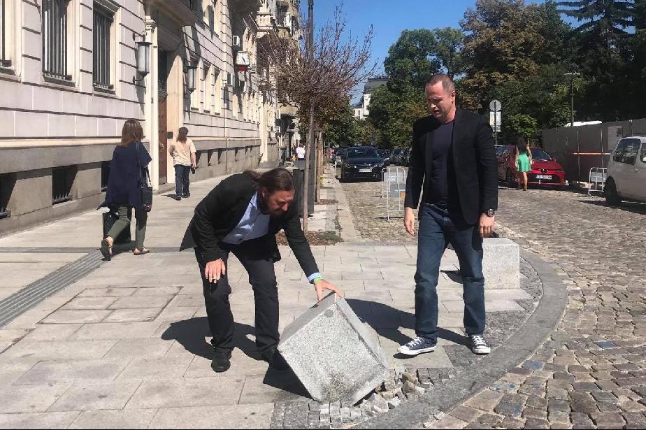 Кметовете на Слатина и Триадица показаха мускули пред Московска 33