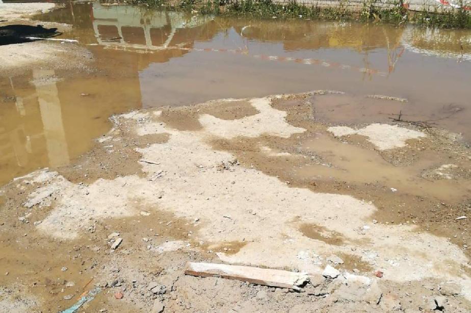 """Вода от строеж на """"Васил Стефанов"""" отива на улицата, глоба за фирмата"""