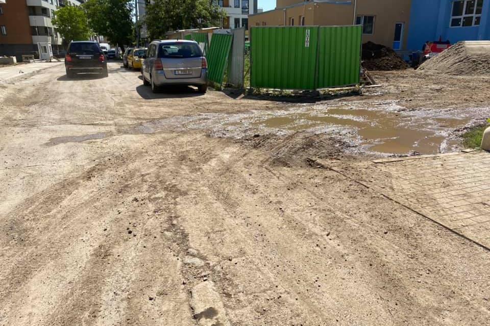 6 сигнала за мръсотията по ул. Борис Руменов, реакция от общината няма