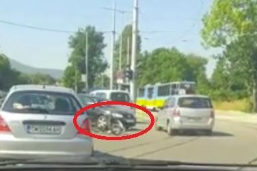 34-годишен колоездач пострада при катастрофа на бул. Овча купел