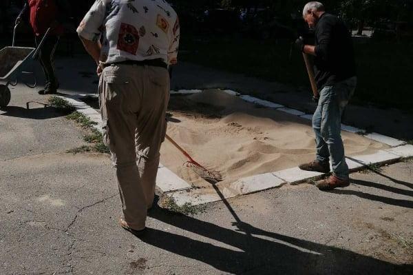"""От район """"Красно село"""" подмениха пясъка на площадки в Хиподрума"""