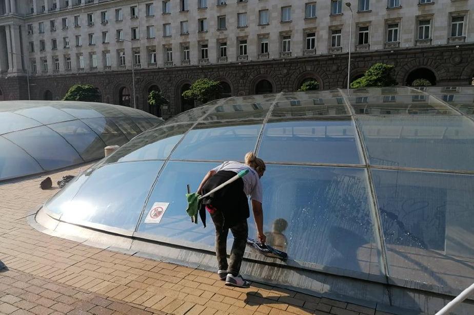Измиха и светнаха стъклените куполи на Ларгото в столицата