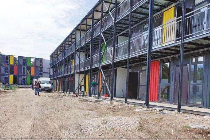 Стартира монтажът на къщи от морски контейнери във Факултета