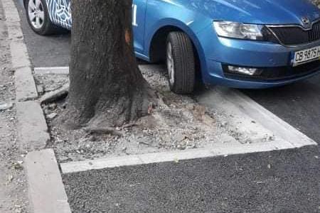 В Подуяне: 15 с глоби за паркиране върху тротоар, който се ремонтира