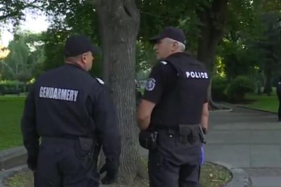 """Плицейски кордон около парламента, """"Дондуков"""" е отворен за движение"""