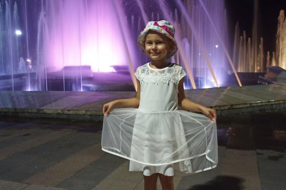 Да помогнем: Животът на 4-годишната Сияна зависи от 300 000 евро