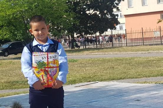 Първият учебен ден в София: Без цветя и тържества, емоции само за първолаци