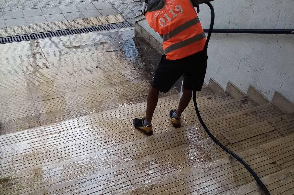 миене и дезинфекция на обществени места