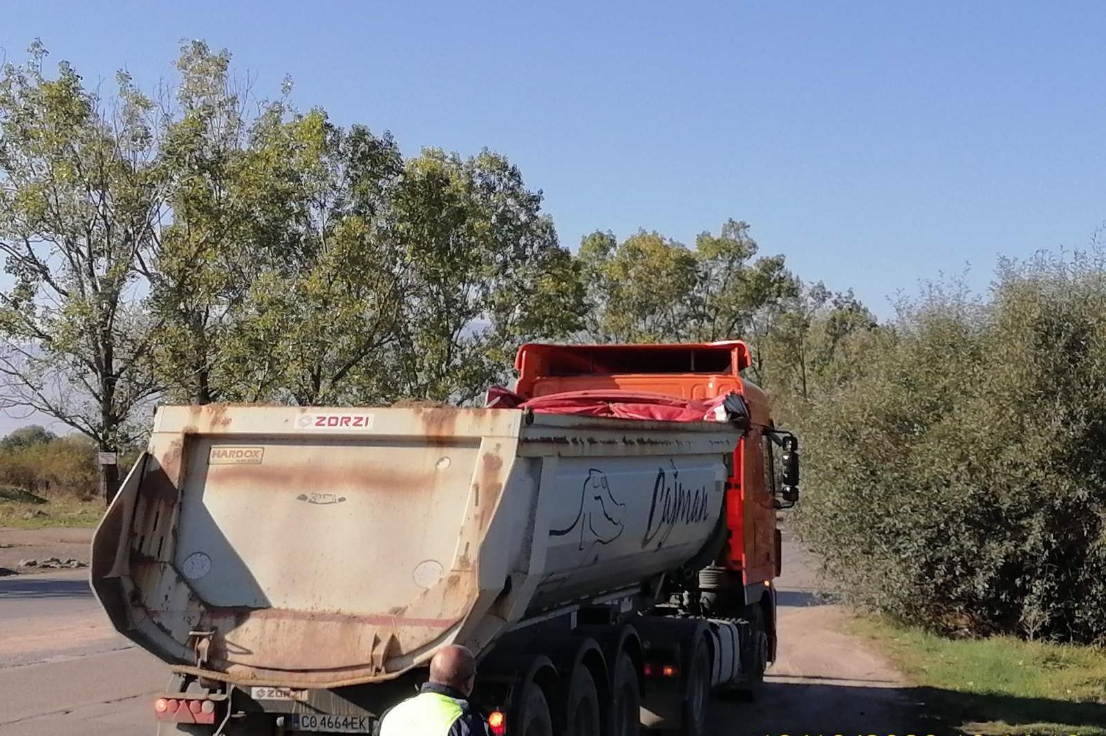 """Глобиха шофьори на тежкотоварни камиони в """"Кремиковци"""""""