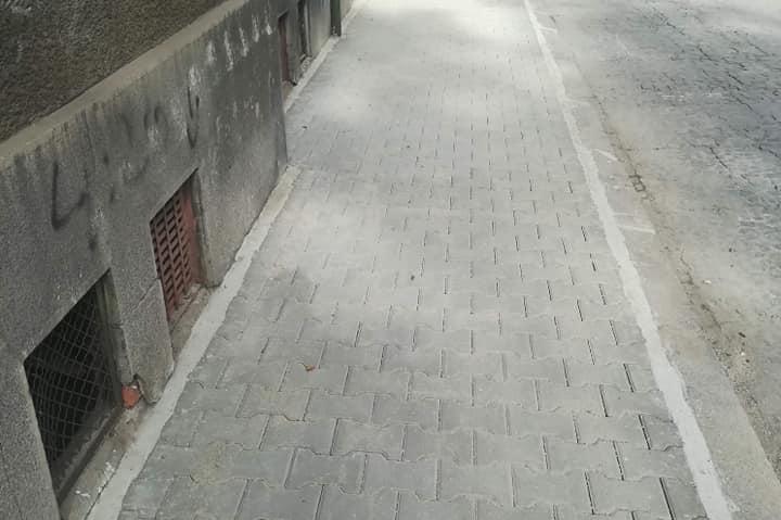 """В """"Оборище"""" се радват на нови тротоари (СНИМКИ)"""