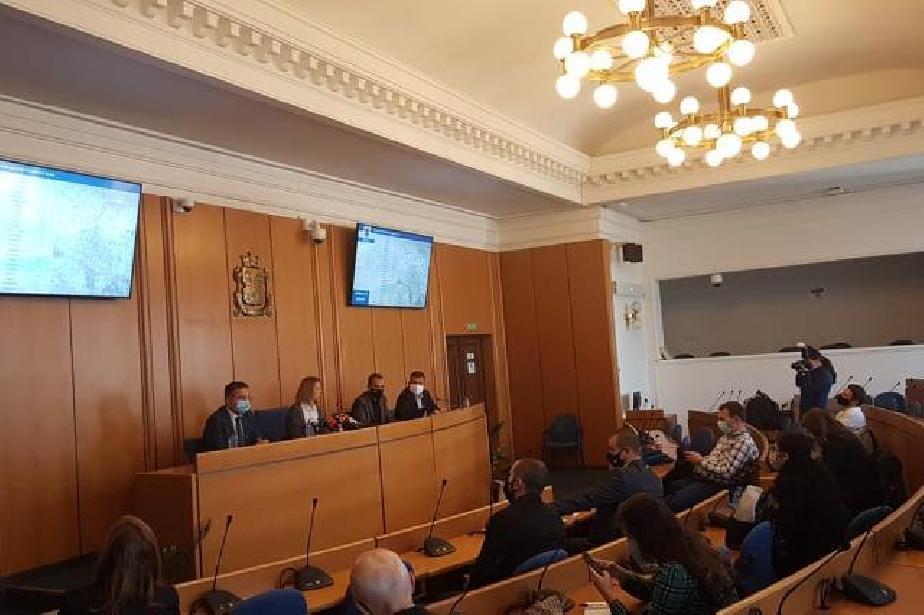 Кметът на София представи 3-годишна програма: Изграждат 67 нови сгради за д
