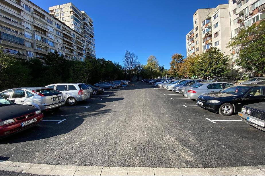 """Изградиха безплатен паркинг с над 60 места в """"Дървеница"""" (СНИМКИ)"""