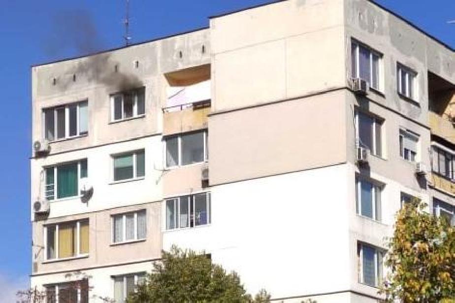 """Запали се апартамент в бл. 57 в столичния """"Хаджи Димитър"""""""