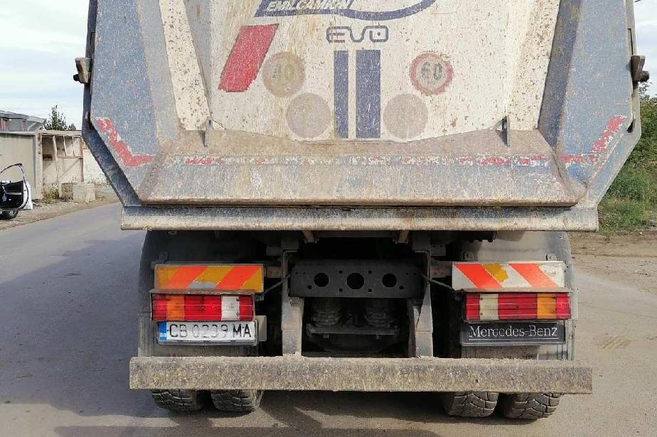Глобиха трима  шофьори в София за замърсяване на пътното платно