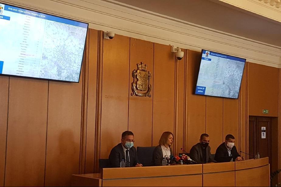 341 от 523 заразени с COVID-19 в София са настанени в болница, 47 в интензи