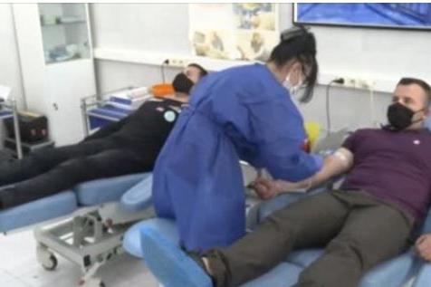 Военни даряват реконвалесцентна плазма във ВМА