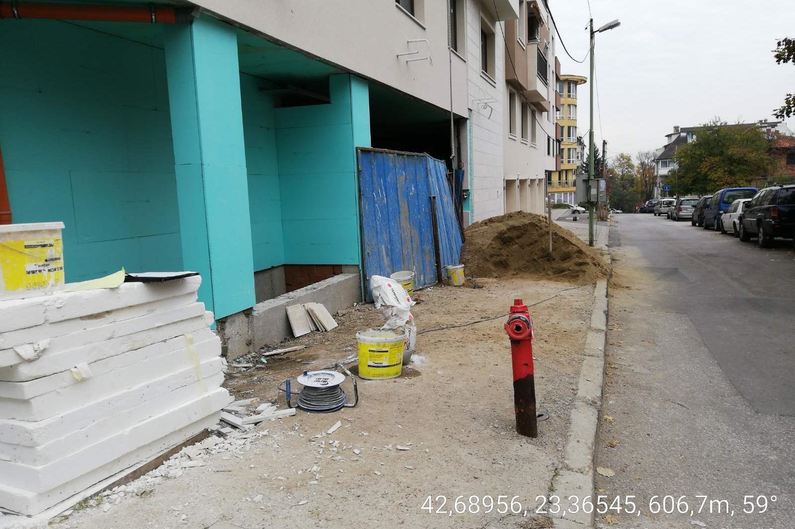 """Строителна фирма отнесе акт за замърсяване на ул. """"Братя Пешеви"""" и ул. """"Ив."""