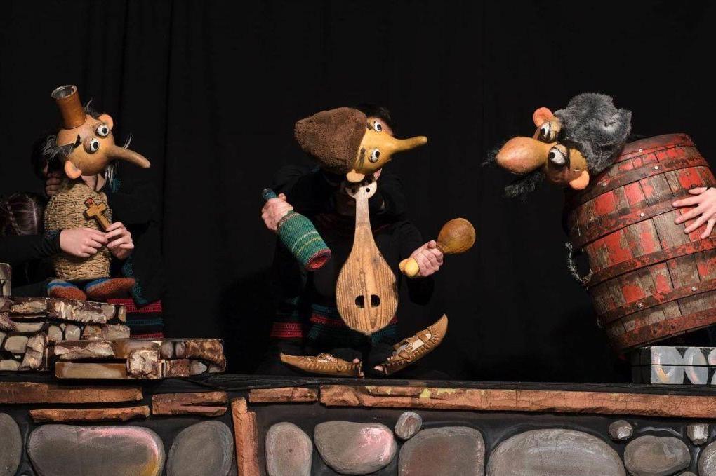 """Кукленият театър с премиера на """"Приказки за Хитър Петър"""" (СНИМКИ)"""